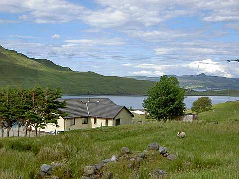 four star bed and breakfast and self catering holiday cottage accommodation in Sconser on the Isle of Skye